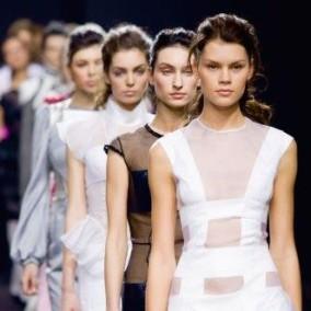 Известный дизайнерский бренд одежды участник Fashion Weeks