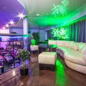 Стриптиз клуб с долгосрочной арендой и лицензией на алкоголь