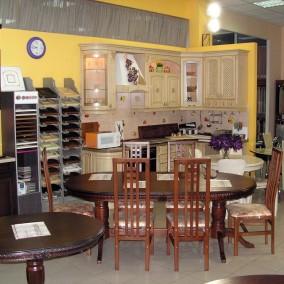 Мебельный салон с производством в ТЦ
